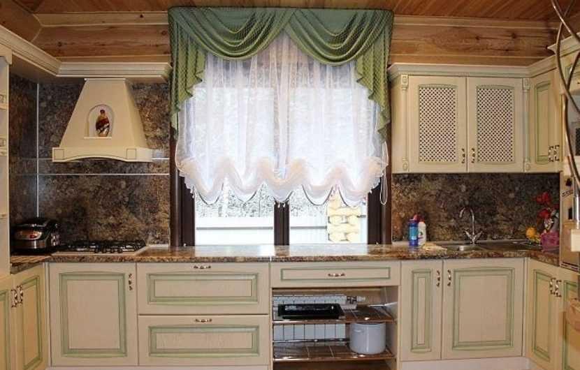Красивые короткие шторы на кухню | Современные варианты дизайнерских идей использования красивых штор короткого типа