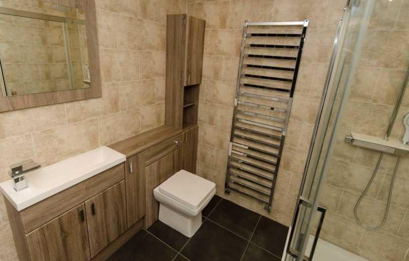 Плитка для ванной в Леруа Мерлен: обзор реальных модных идей применения, комбинирования и совмещения плитки