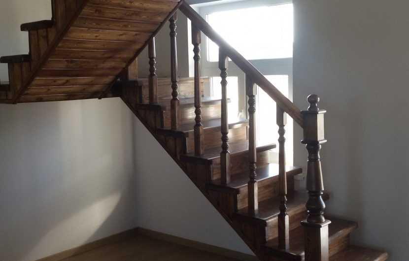 Лестница на второй этаж в частном доме — примеры красивого дизайна. Схемы размещения, инструкции, планировка + фото